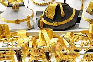 Biến động lạ: Vàng thế giới treo cao, vàng trong nước trượt đáy
