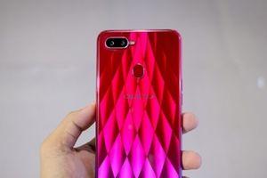 Oppo F9 - 'quán quân' top 10 smartphone được tìm kiếm nhiều nhất năm 2018