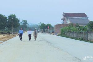 Lương giáo huyện Tân Kỳ đoàn kết xây dựng tuyến đường nông thôn 'có 1 không 2'