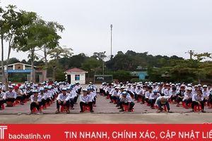 Hết học kỳ 1, hơn 50% học sinh Vũ Quang vẫn chưa tham gia BHYT