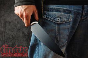 Dùng dao đâm 3 phụ nữ rồi bỏ trốn