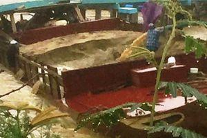 Quảng Nam: 'Cát tặc' tung hoành trong mưa lũ, tông hỏng cầu dân sinh