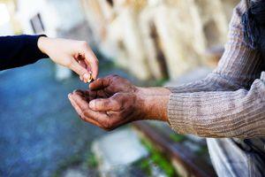 Lời Phật dạy về bố thí để hưởng phúc cả đời