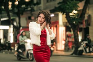 Pha Lê gợi ý cách chọn váy áo đi chơi Giáng Sinh ấm áp trẻ đẹp