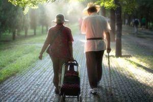 Tuổi trung niên an yên mà sống với 6 điều cần buông bỏ, 6 điều cần nắm giữ