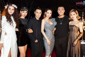 Minh Hằng xuất hiện cùng học trò tại show thời trang nhưng không catwalk mà âm thầm làm điều này