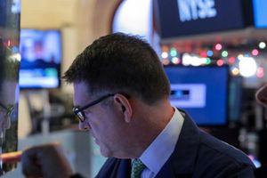 Nhà đầu tư thiếu yên tâm, chứng khoán Mỹ giằng co