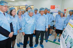 95 tư vấn viên đào tạo bởi Samsung sẵn sàng hỗ trợ doanh nghiệp Việt Nam