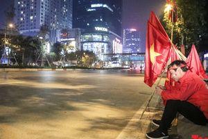 Đường phố Hà Nội vắng tanh như chiều 30 Tết khi đội tuyển Việt Nam thi đấu chung kết AFF Cup