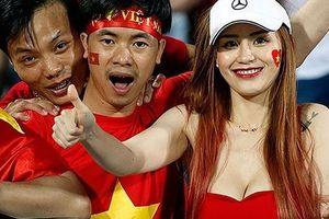 Dàn cổ động viên hot girl của Việt Nam trên báo Hàn 'gây chao đảo'