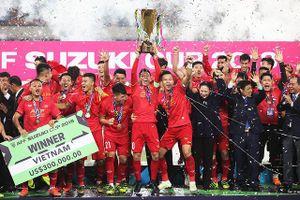 Khoảnh khắc ĐT Việt Nam nâng cao cúp vô địch AFF Cup