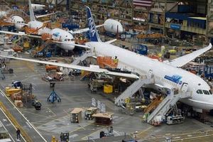 Bên trong nhà máy sản xuất máy bay lớn nhất thế giới của Boeing
