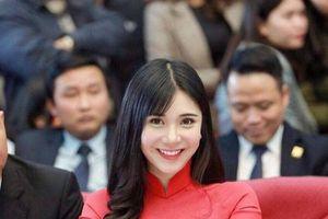 Hotgirl Thanh Bi 'chơi trội' hứa làm điều đặc biệt nếu Việt Nam vô địch
