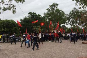 Clip: Học sinh 'bão' ngay tại sân trường để cổ vũ ĐT Việt Nam