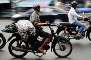 Nguy cơ xe máy cũ nát thành 'rác' đô thị (Bài 3): Giải pháp nào?