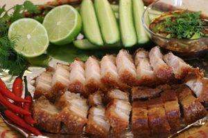 Cách làm thịt lợn quay kiểu Thái giòn ngon, ăn mãi không chán