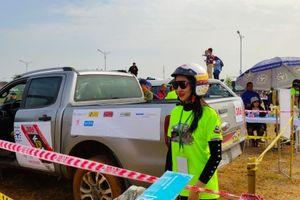 Trải nghiệm cảm giác off-road ở giải đua ô tô địa hình tại Tuần Châu