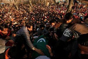 Cảnh sát Ấn Độ và thường dân đụng độ, 7 người thiệt mạng