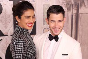 Nick Jonas muốn có con sớm với vợ Hoa hậu Thế giới