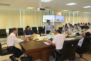 Tổng Giám đốc EVNCPC Trần Đình Nhân làm việc với PC Khánh Hòa