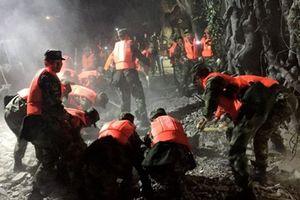 Tứ Xuyên rung chuyển vì động đất