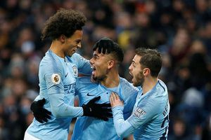 Jesus lập cú đúp, Man City 'vùi dập' Everton