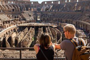 Du khách Ấn Độ lấy cắp gạch ở Đấu trường Colosseum