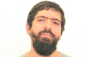 Lĩnh án 7 năm tù vì phát tán link tuyên truyền khủng bố