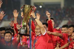 Khoảnh khắc đáng nhớ của ĐT Việt Nam nâng cup vàng VFF Cup 2018