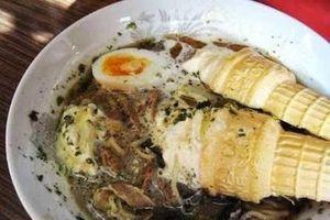 Món mì ramen trộn kem ốc quế khó hiểu của người Nhật