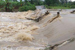 Đắk Lắk: Mưa lớn gây ngập lụt cục bộ, quốc lộ bị sạt lở