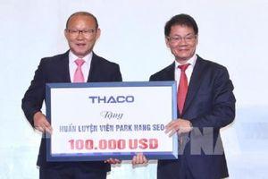 HLV Park Hang Seo dành 100.000 USD tiền thưởng làm từ thiện và phát triển bóng đá Việt