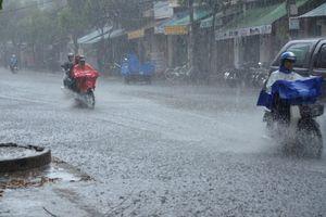 Dự báo thời tiết (16/12): mưa dông tại miền Trung và Nam biển Đông