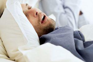 Người béo phì, ngáy có nguy cơ bị ngưng thở, đột tử khi ngủ