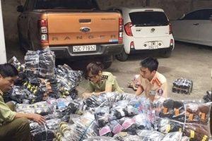 Ngụy trang xe tải thùng đông lạnh chở quần áo lậu