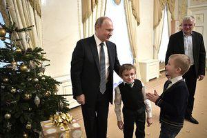 Tổng thống Nga Putin giúp cậu bé mắc bệnh xương thủy tinh thực hiện ước mơ