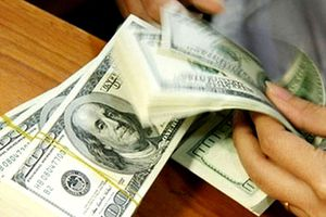 Các ngân hàng thương mại tăng mạnh giá trao đổi USD