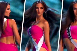 Điệu catwalk 'nham thạch' gây sốt của Hoa hậu Hoàn vũ 2018
