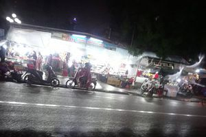 Nghịch cảnh chợ đêm ở Huế: Nếu xảy ra cháy nổ, ai chịu trách nhiệm?