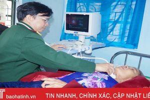 Khám, cấp thuốc miễn phí cho đối tượng chính sách ở Hương Trạch