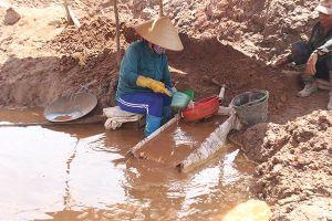 Phát hiện thi thể người phụ nữ bị nước cuốn khi vào rừng khai thác vàng