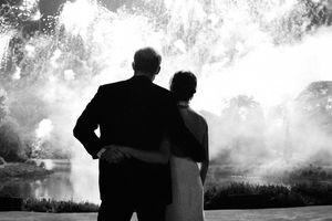 Thiệp Giáng sinh của cặp đôi Hoàng gia Anh Harry-Meghan có gì khiến dân tình không ưa?