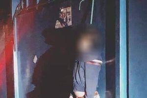 Tá hỏa người đàn ông treo cổ tử vong tại trạm xe buýt ở Sài Gòn