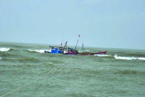 Vụ chìm tàu ở Vũng Tàu: Một thuyền viên vẫn 'biệt vô âm tín'