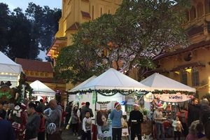 Ăn, chơi, xem, nghe với lễ hội Giáng sinh Đức ở Hà Nội