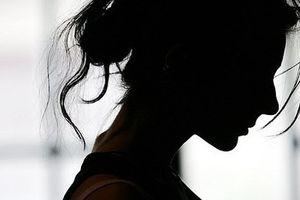 Người mẹ 50 tuổi được miễn phạt tù sau khi có hoạt động tình dục với con trai 15 tuổi