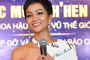 H'Hen Niê xin lỗi vì làm mất nhẫn đắt tiền của Lệ Hằng ở Miss Universe