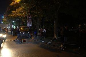 Hiện trường vụ nữ tài xế lái Lexus tông 7 xe máy ở Hà Nội