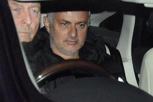 Ai sẽ thay HLV Jose Mourinho dẫn dắt M.U?