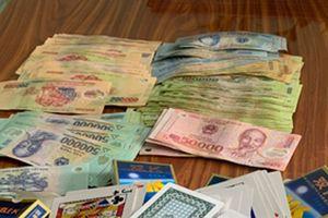 Tổ chức đánh bạc kiêm cho vay tiền với lãi xuất cao khi con bạc có nhu cầu